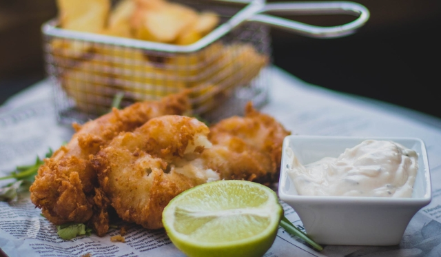 fried fish, tartar sauce and lime