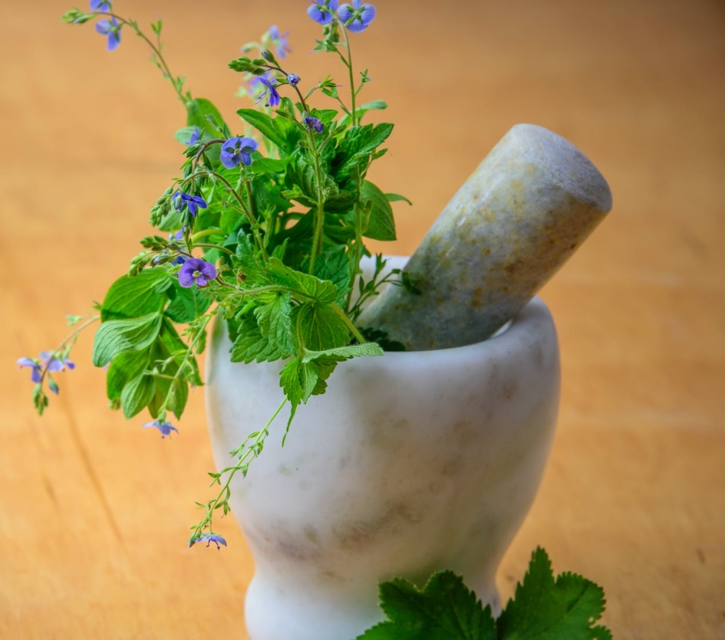 marble pestle with flowers