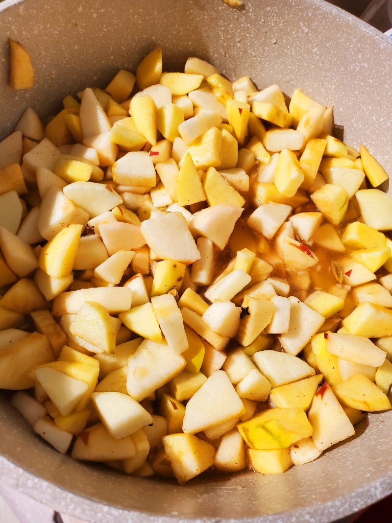 mixed chopped apples