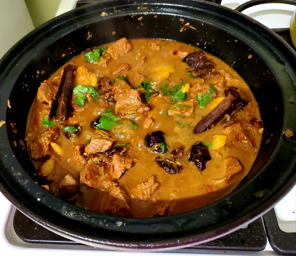 Tagine in it's bowl, done cooking