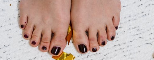 10 painted toenails