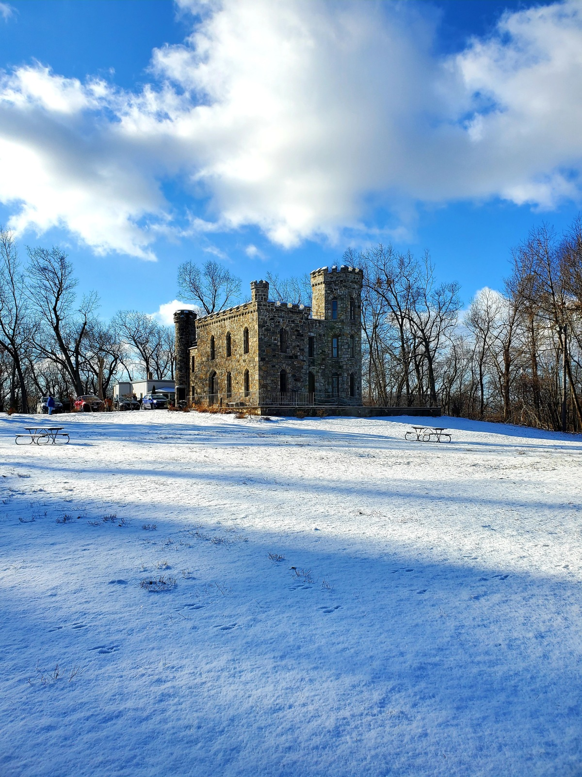 A view of Winnekenni Castle in the snow